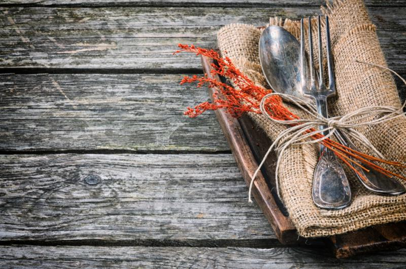 rustic_restaurant_table.jpg